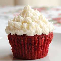 Red Velvet Cupcake with Cream Cheese Frosting | by Little Acorn