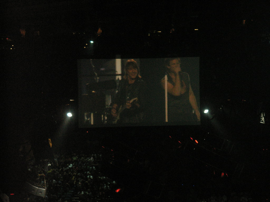 Bon jovi concert famil bon jovi madison square garden Bon jovi madison square garden april 15