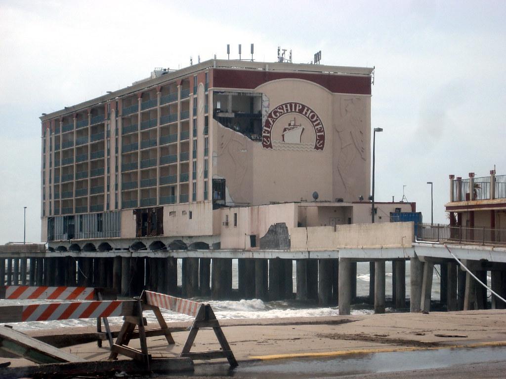 flagship hotel galveston texas a month after hurricane. Black Bedroom Furniture Sets. Home Design Ideas