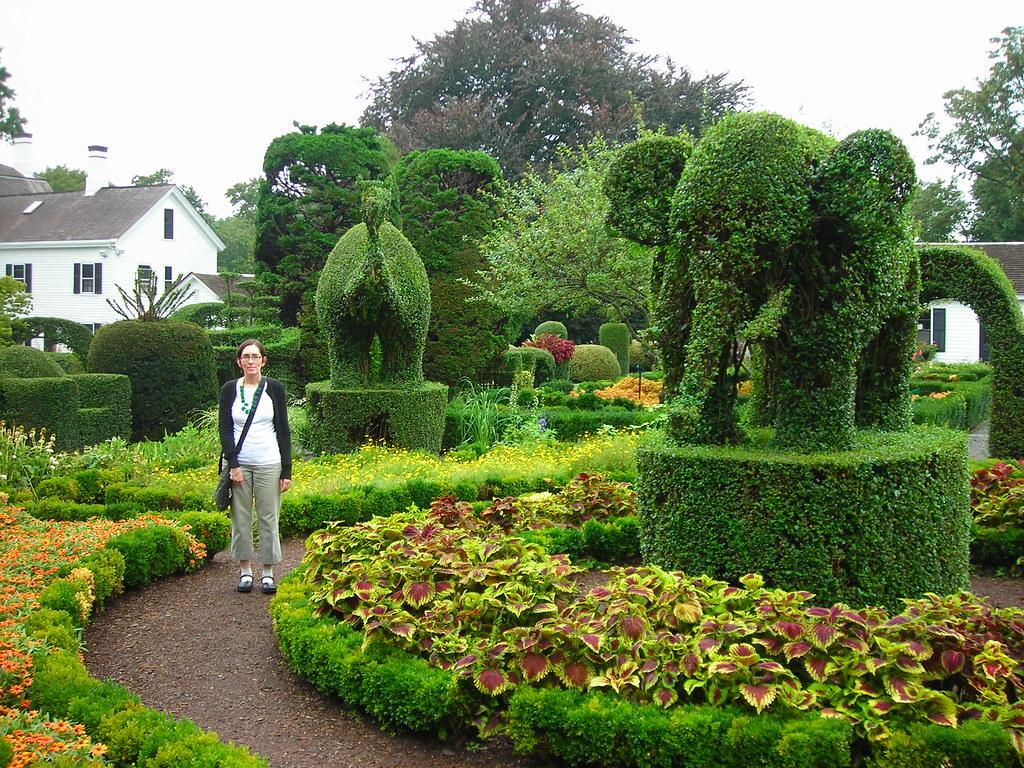 Green Animals Topiary Garden Ri Strange But Cool Garden P Flickr