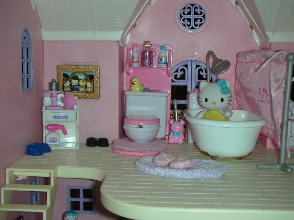 hello kitty deluxe dollhouse bathroom the bathroom is all flickr. Black Bedroom Furniture Sets. Home Design Ideas