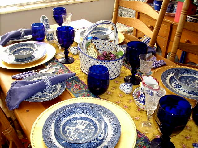 Blue And White Table Setting Ok I 39 Ll Admit That It 39 S On