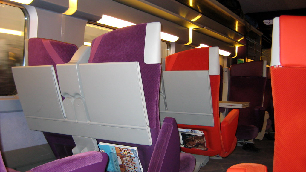 interieur d 39 un tgv seconde classe inside 2nd class tgv t flickr. Black Bedroom Furniture Sets. Home Design Ideas
