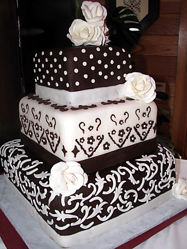 Square Wedding Cake Wedding Cake Covered In Regular And