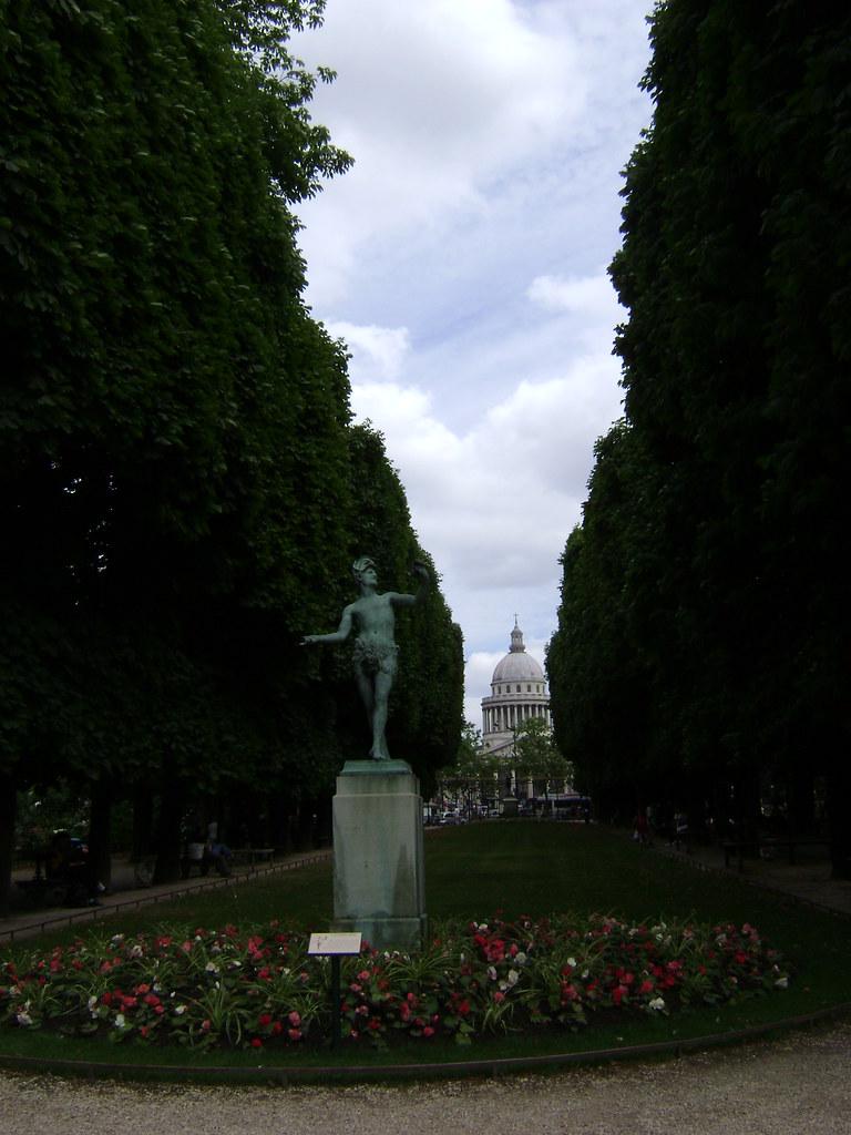 Jard n de luxemburgo y pante n barrio latino par s jardi for Jardines de luxemburgo paris