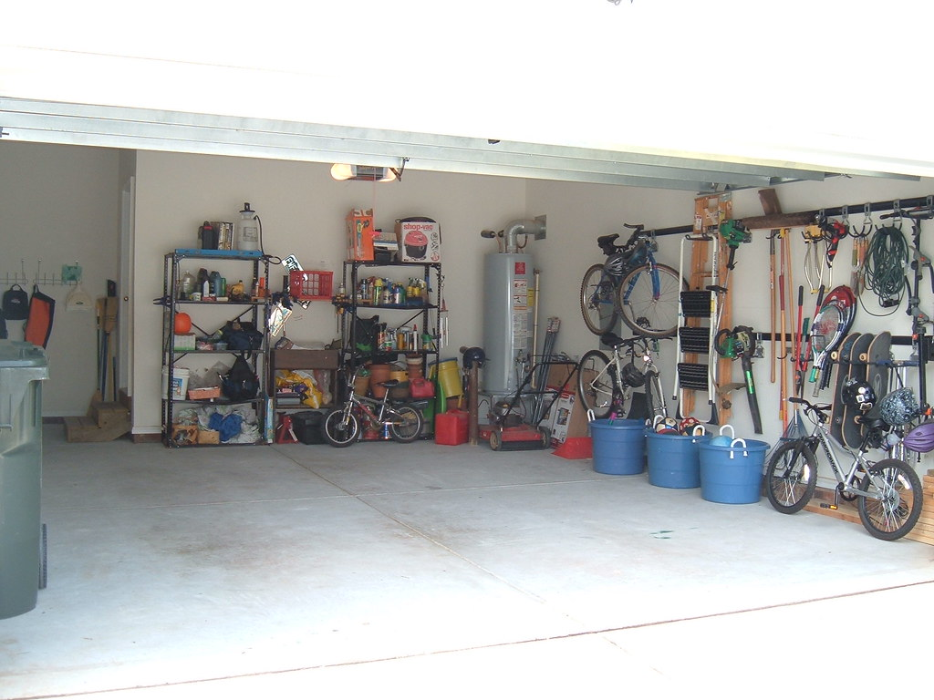 My nice organized garage a view into my organized garage for Garage new s villejuif