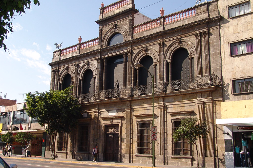 Casa de los perros museo del periodismo en guadalajara - La casa de las perchas ...