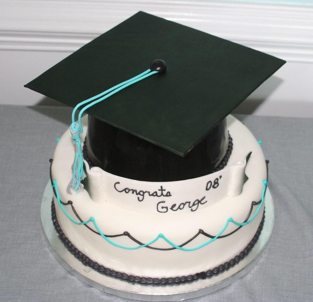 University Graduation Cakes