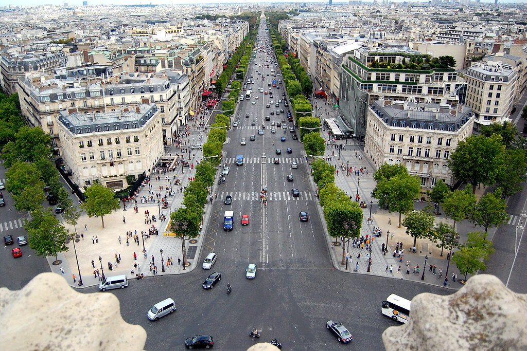 Les champs elys es cyril plapied flickr - H m les champs elysees ...