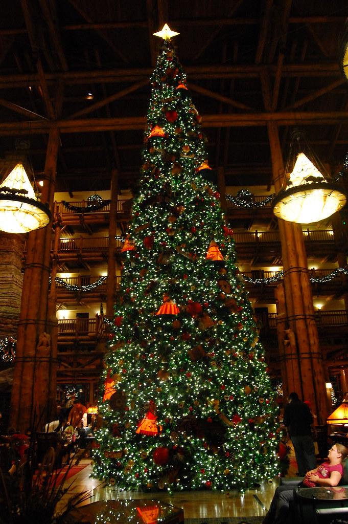 4 White Christmas Tree