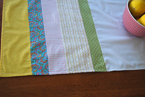 sew along table runner | by b l o o m