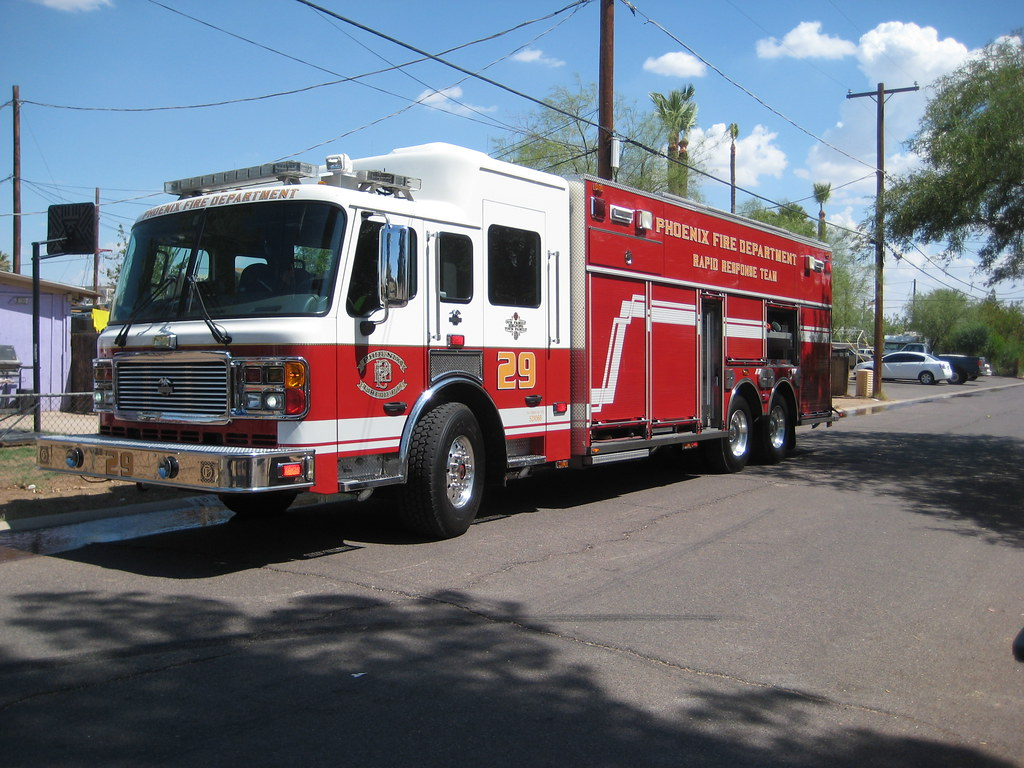Pfd heavy rescue squad 29 phoenix fire department on a for Department of motor vehicles chandler az