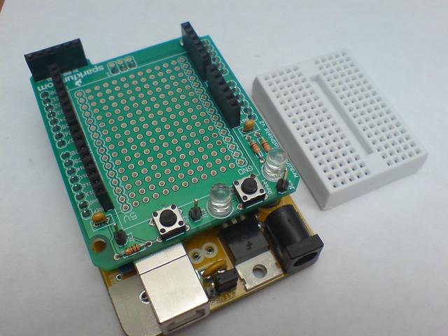 Arduino protoshield kit si desea puede colocar una