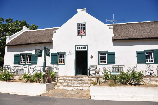 Cape dutch house in church street tulbagh robert for Classic dutch house of 60m2