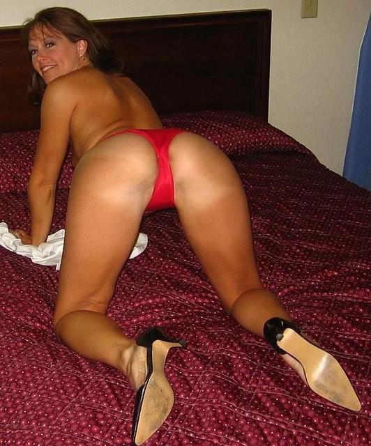Horny blonde wife sucks cock in bathtub