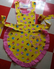 Cupcake apron | by Fabric Nation
