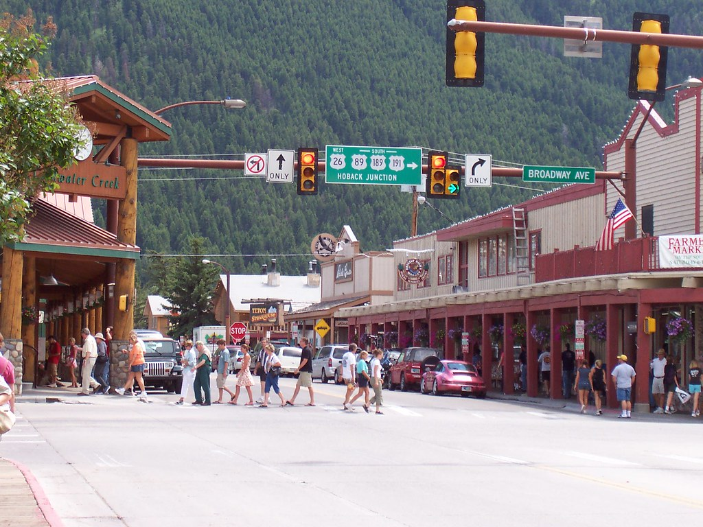 Downtown jackson hole wy description downtown jackson for What to do in jackson wy