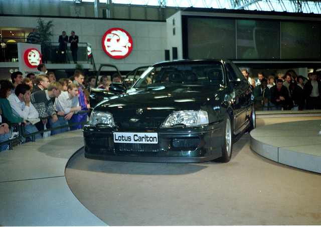 lotus carlton lotus carlton at the 1990 british. Black Bedroom Furniture Sets. Home Design Ideas