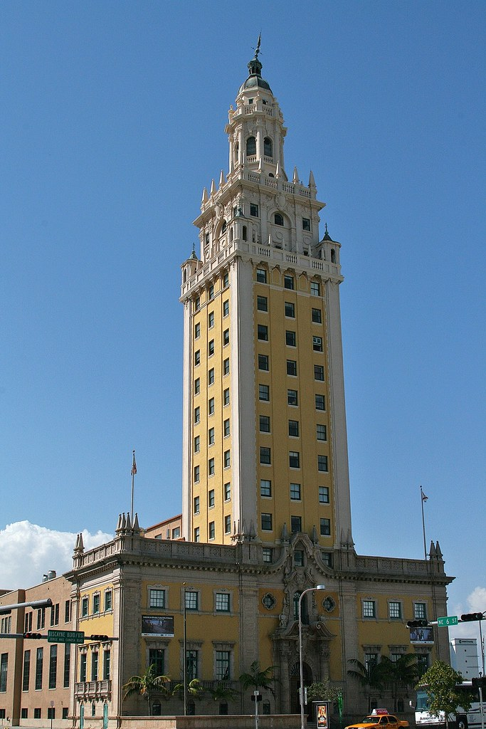 Freedom Tower (Miami) W La Torre de la Libertad en Miami W ...