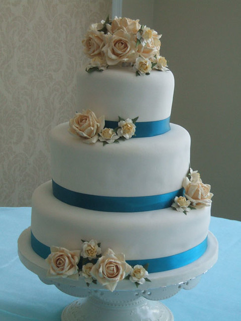 turquoise wedding cakes erin s turquoise wedding cake this cake was made for 21312