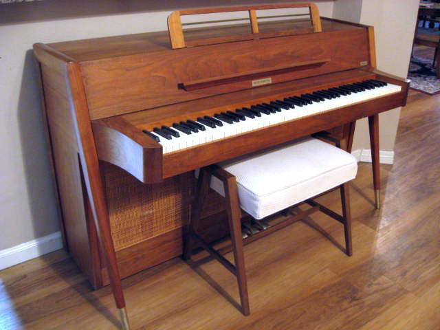 1966 baldwin acrosonic danish modern almost danish for Moderni piani a 4 piani