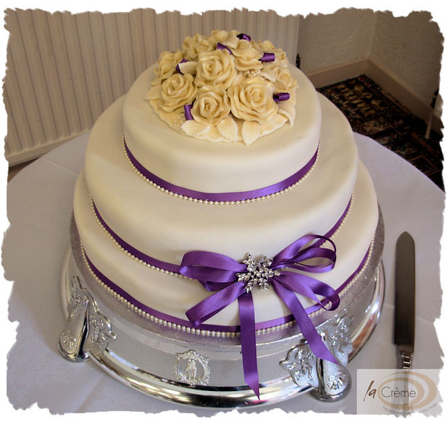 how much for a 3 tier wedding cake uk ivory 3 tier wedding cake sian hindle flickr 15473