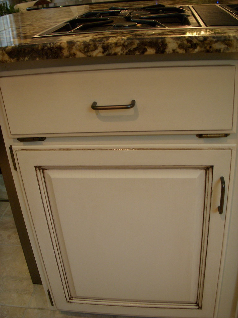 Pictures Of Painted Oak Cabinets