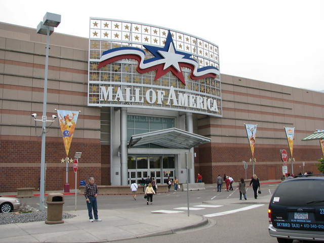 how to get to mall of america