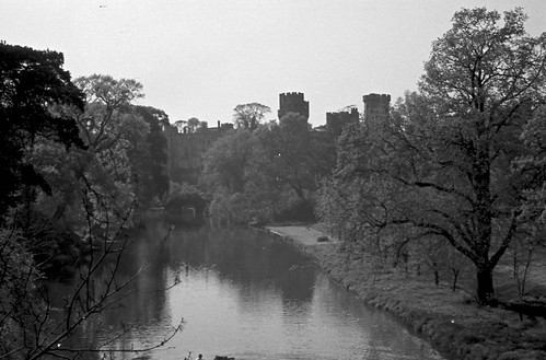 1604 Warwick Castle on river Avon