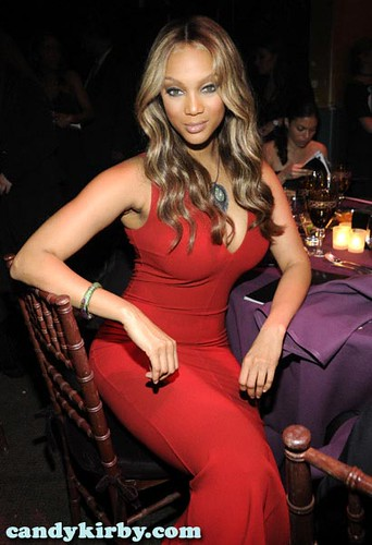 Tyra Banks In A Sexy Red Dress At The -7349