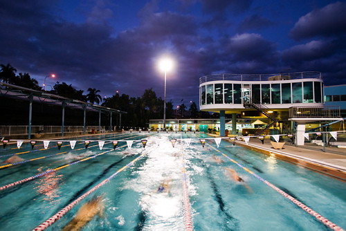 Evening Swimming Evening Swimming At Centenary Pool Comple Flickr