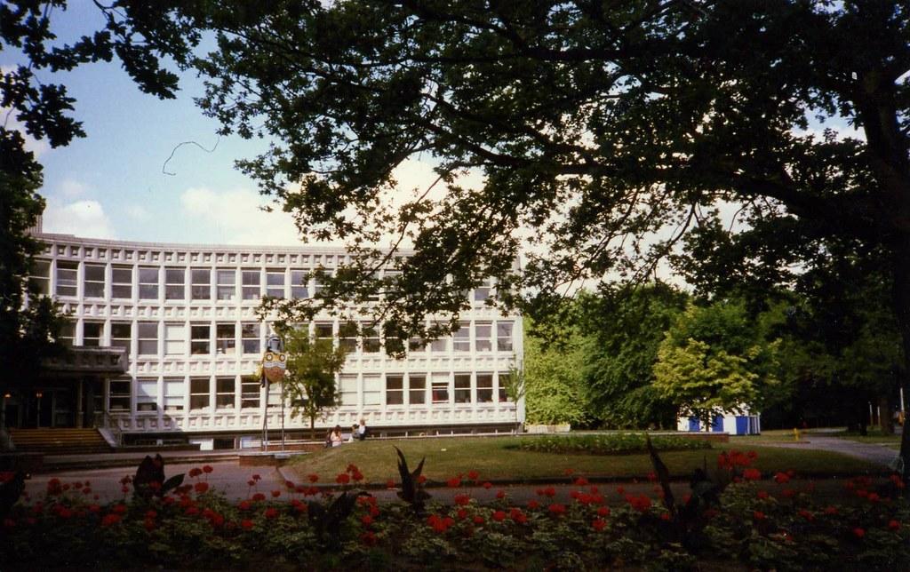 elmbridge town hall  walton on thames  demolished