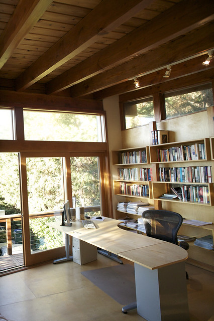 Urban Cabin - Writer's Office | A writer's office built ...
