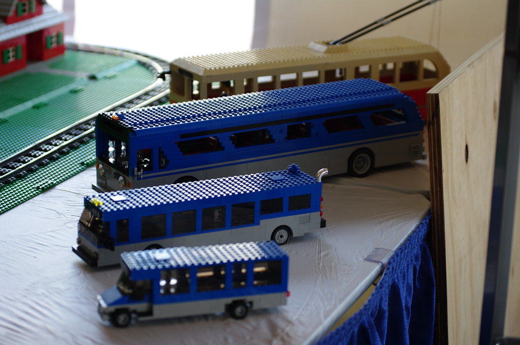 Lego Bus | ELF (mini bus), low-floor bus, old-style bus