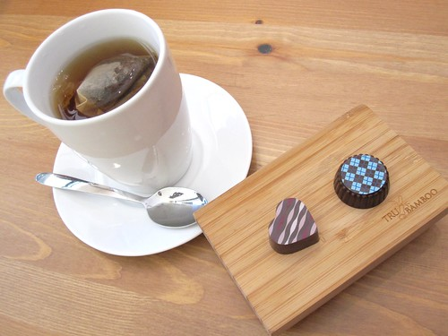 Tea and Vegan Chocolates from Coca V | by veganbackpacker