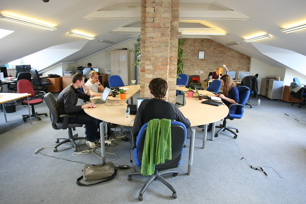 Student-startup-in-coworking