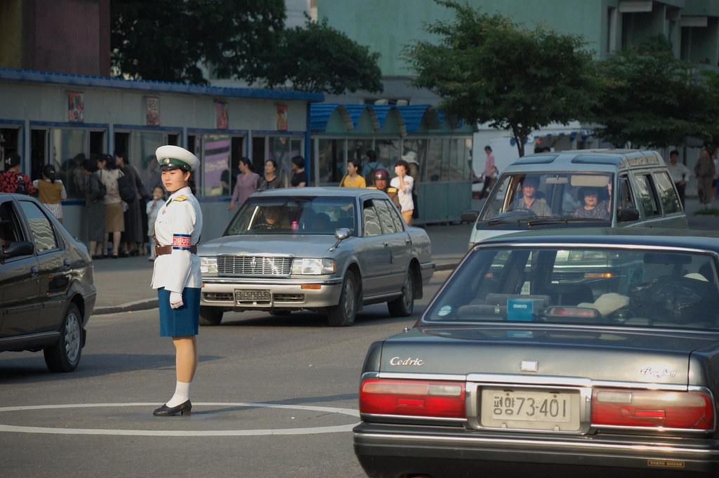 Traffic Lady. Pyongyang, North - 236.9KB