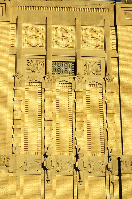 Art deco detail t p station fort worth flickr photo for Art deco architectural details