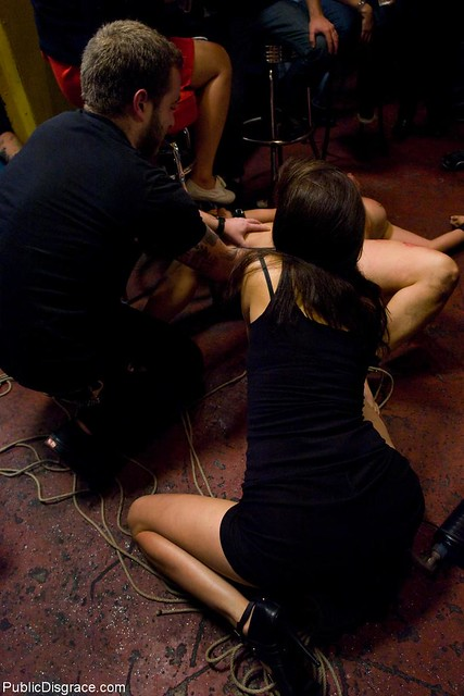Public disgrace | Princess Donna showing me how to defuse