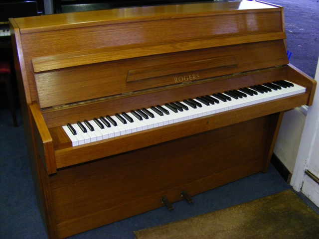1970s rogers upright piano a 1970s modern rogers upright flickr. Black Bedroom Furniture Sets. Home Design Ideas