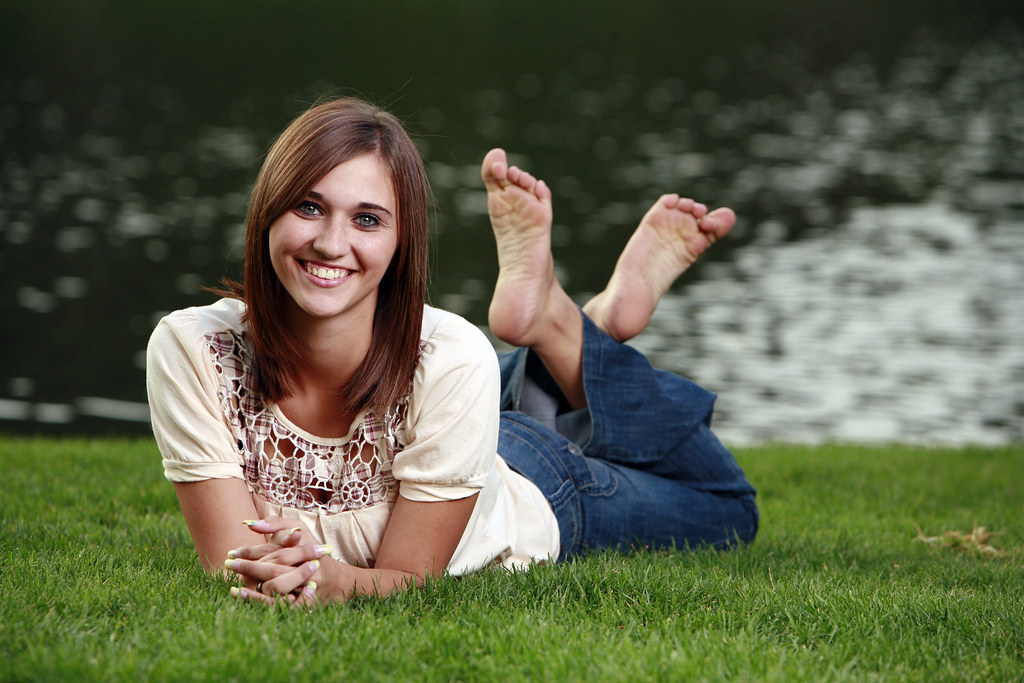 young teen girls barefeet panties free pics