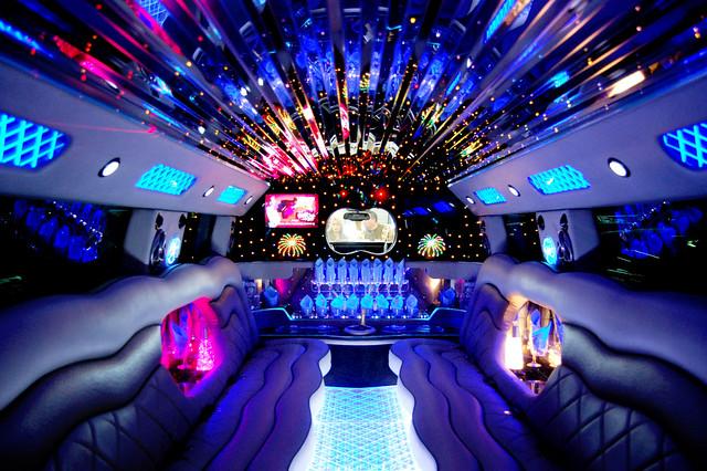hummer h2 limo interior inside a hummer h2 limousine at ch flickr. Black Bedroom Furniture Sets. Home Design Ideas