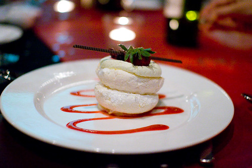 Mini Pavlova dessert | Flickr - Photo Sharing!