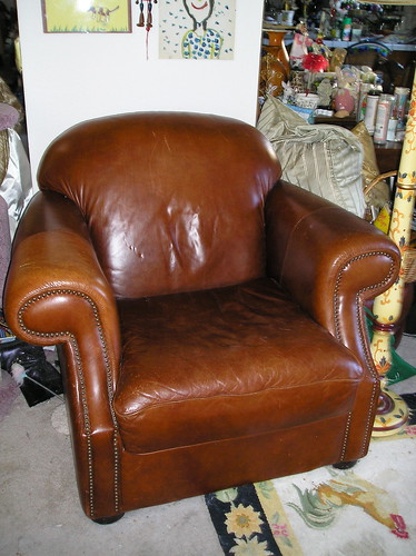 LEATHER CHAIR, OTTOMAN, LOVESEAT,  CLUB COLLECTION CLASSIC STYLING - $675 (petaluma) | by cawleyredman