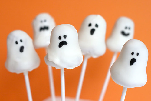Ghost Cake Pops | by Bakerella