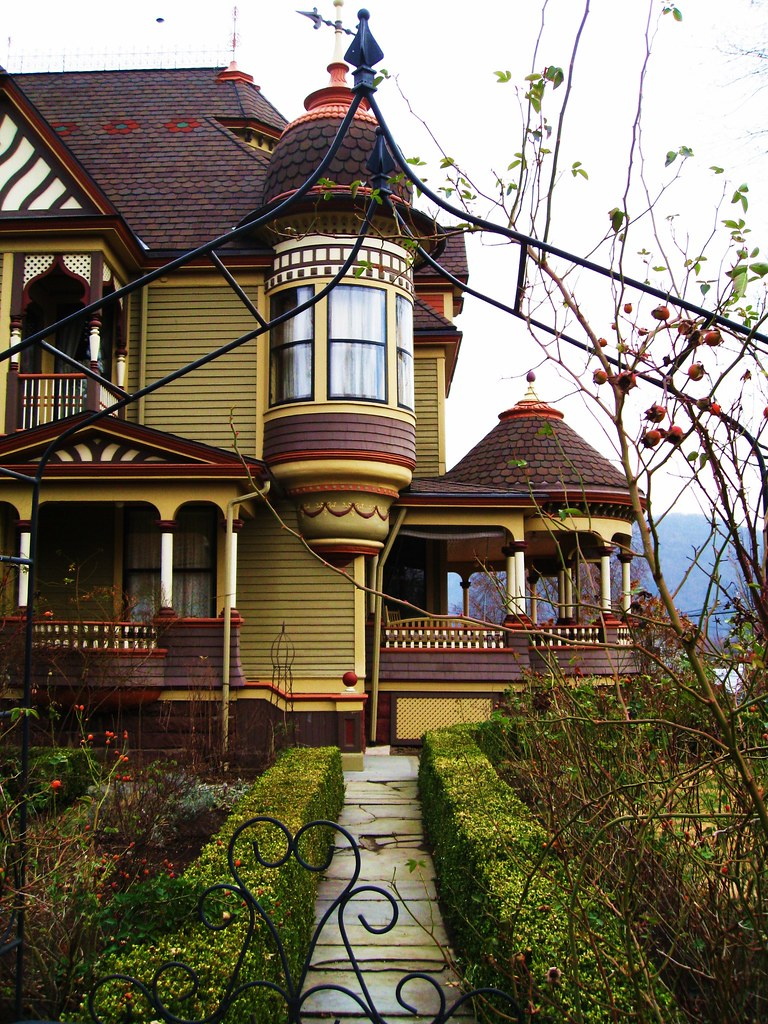 Welcome View Vintage home in Tunkhannock Pennsylvania on