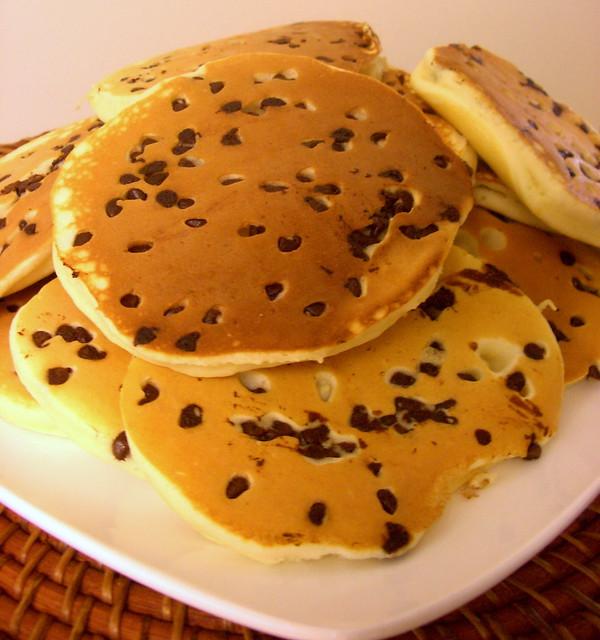 How to make pancakes / chocolate chip pancakes | www.joyfula… | By ...