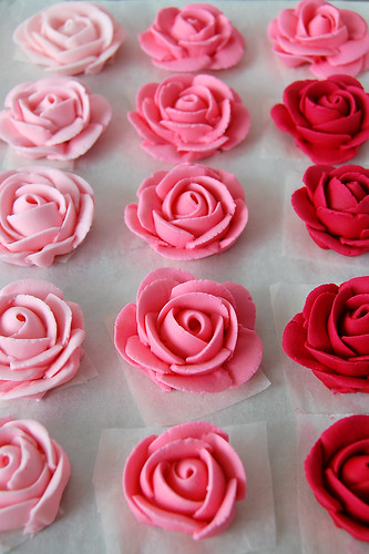 Royal Icing Roses | by Mad Baker