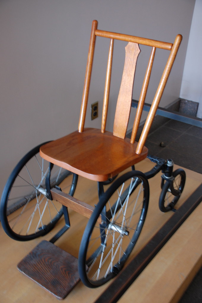 Kitchen Chair On Wheels Colors Upholstered