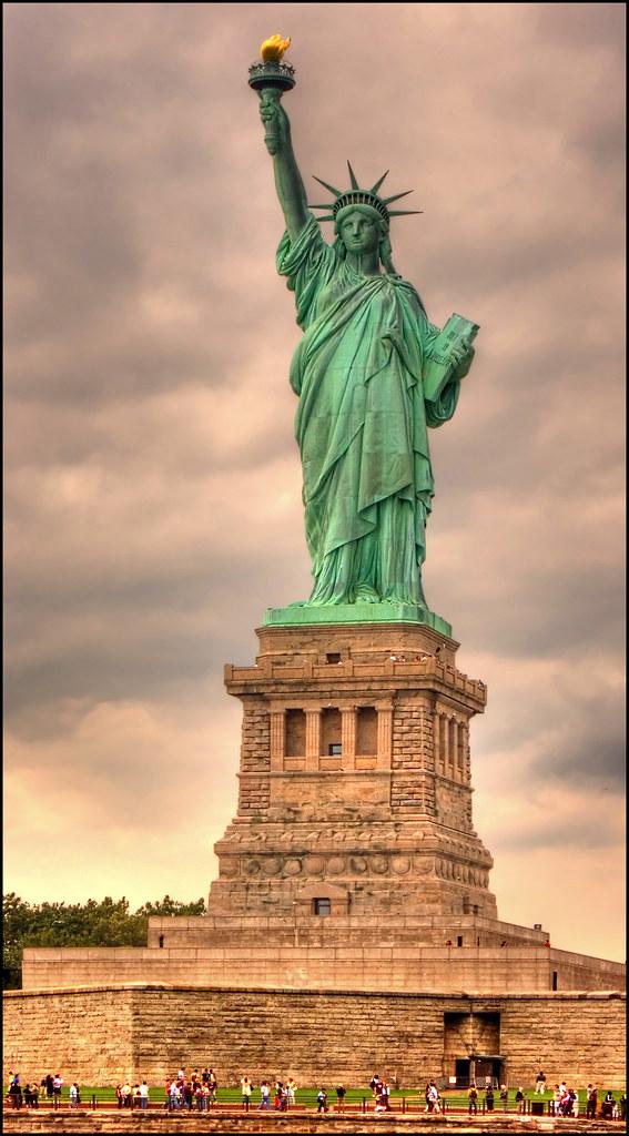 Estatua de la libertad vista frontal de la estatua de la for Interior estatua de la libertad